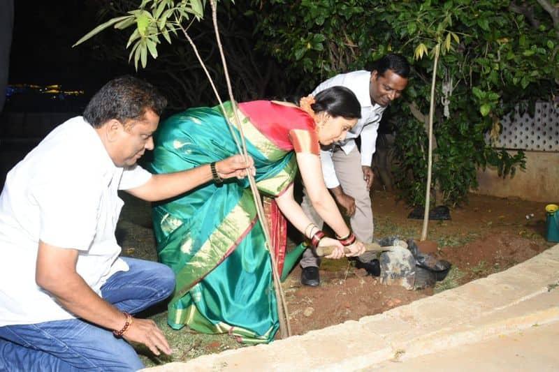 Actress Kausalya participates in Green India Challenge