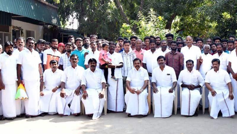 AMMK important executives join aiadmk...ttv dhinakaran shock
