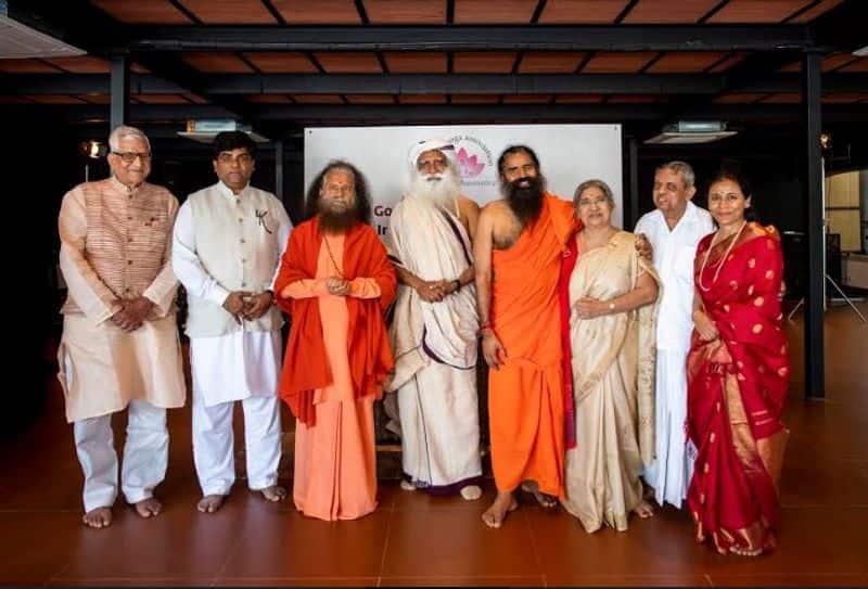 isha foundation conducted a programme and sadguru and ramdev participated