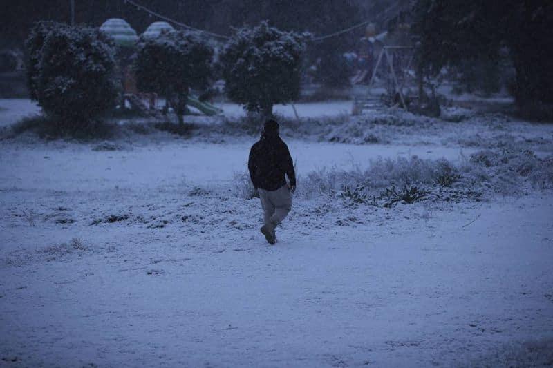 ഇറാഖിന്റെ വടക്കൻ പ്രദേശത്ത് വാർഷിക മഞ്ഞുവീഴ്ച സാധാരണമാണ്, പക്ഷേ ബാഗ്ദാദിൽ ഇത് വളരെ അപൂർവമാണ്. 2008 ലാണ് തലസ്ഥാനം അവസാനമായി മഞ്ഞ് കണ്ടത്.
