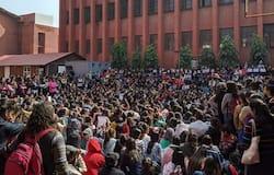 Gargi College, Delhi College, Delhi Gargi College, Delhi Police, Delhi News, College Fest, गार्गी कॉलेज, दिल्ली कॉलेज