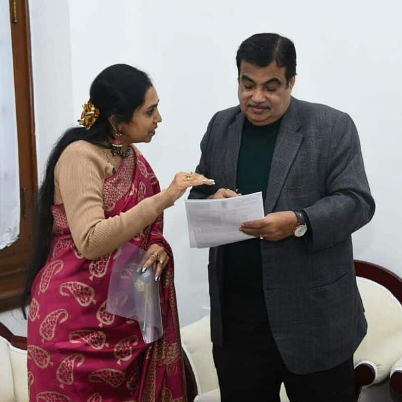tamilachi thangapandiyan gave letter to central minister regarding tollgate