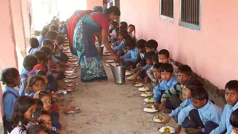 tamilnadu government school students morning food...edappadi palanisamy action
