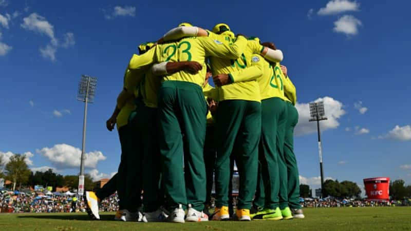 south africa beat australia in second t20