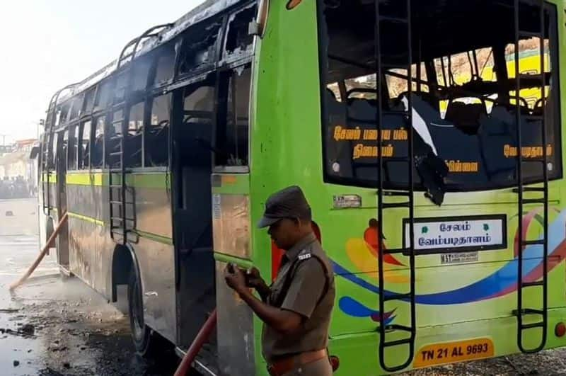 bus driver saved passengers from fire accident