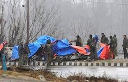 <p>14 फरवरी को हर बार की तरह सीआरपीएफ का काफिला जम्मू से श्रीनगर जा रहा था। सीआरपीएफ के लगभग 2,500 जवान 78 गाड़ियों में सवार थे। इसमें ज्यादातर जवान वे थे, जो छुट्टी से वापस ड्यूटी पर लौटे थे।</p>