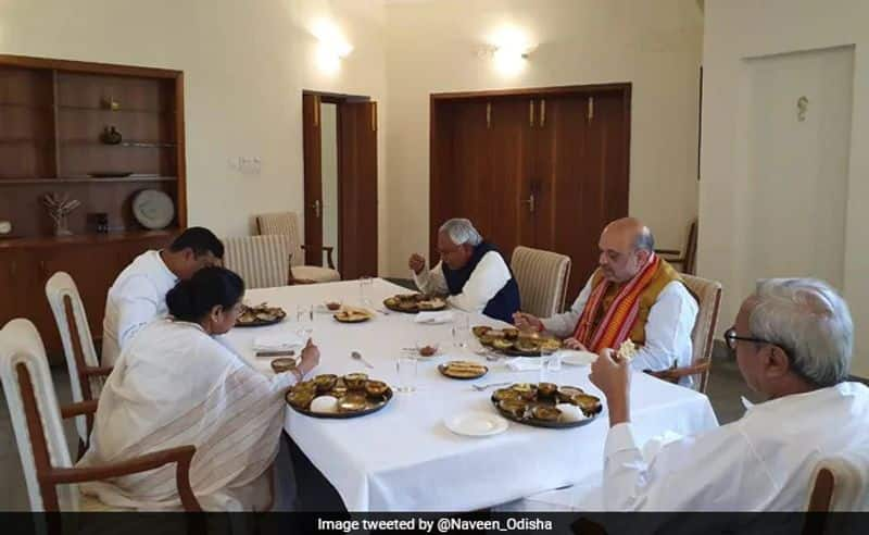 Mamta's sudden meeting with Amit Shah