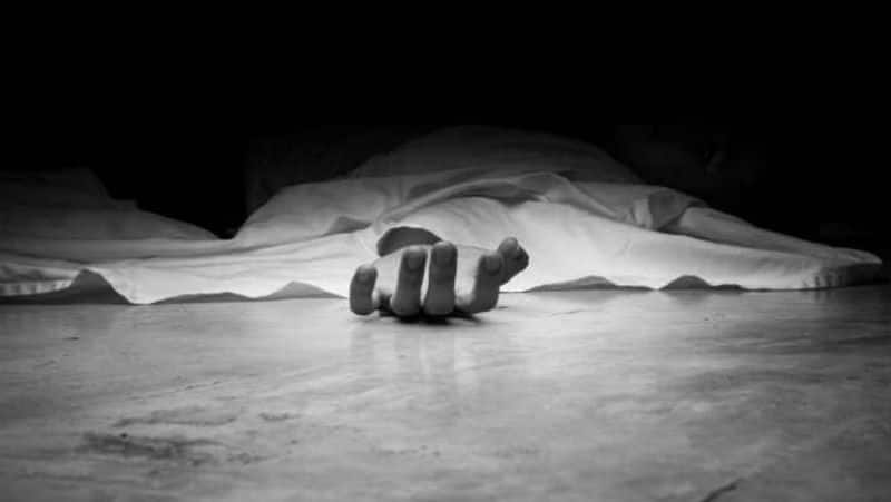 man died in karimnagar, people not touched dead body