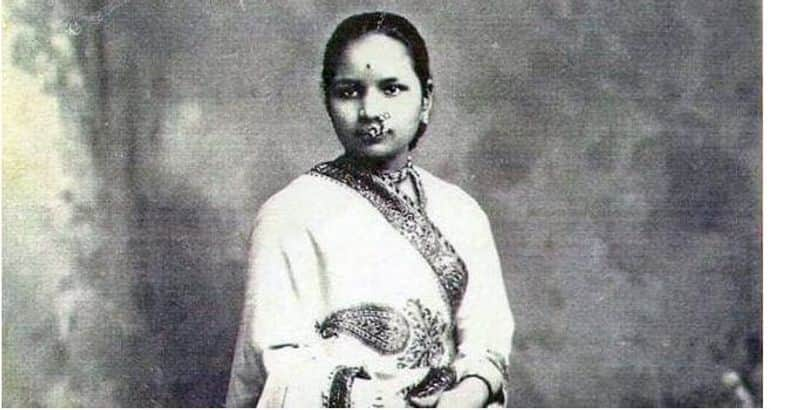 Anandibai Gopalrao Joshi - First woman doctor:  As early as 1887, she became the first female physician. She was also trained in western medicine and sources say she had even travelled to the United States of America.