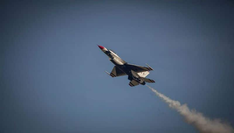 India decides to purchase 12 Sukhoi and 21 MiG fighter jet