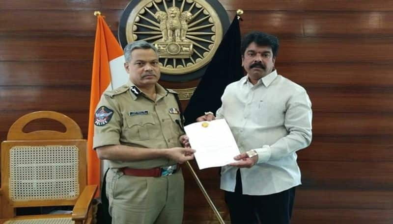 Bonda Uma complaint to Vijayawada CP over Macherla Attack
