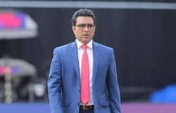 <p>Starting from renowned cricketers to some rookies, some of these cricketers have not backed put from putting the criticism on the legend, via tweets. However, owing to this very deed, they have often faced the flak of Indian fans on the same platform, as we take a look at those cricketers.</p>