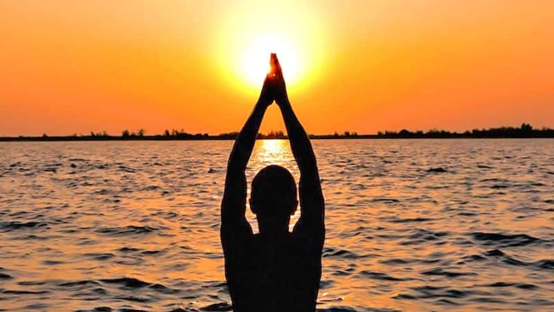 Worshiping the sun on Sunday will liberate from all misery BDD