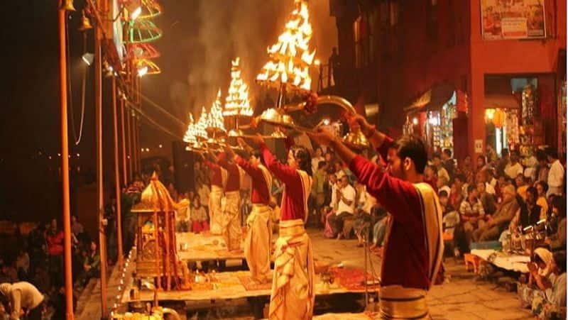 corona effect on famous ganga aarti