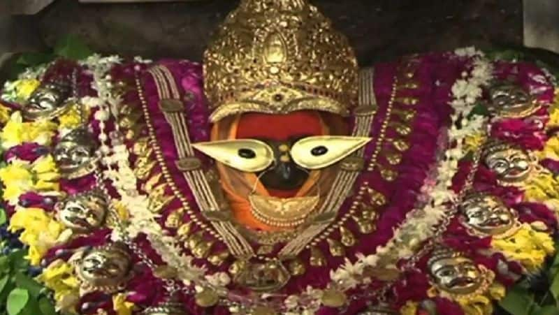 Donate these things on Navaratri to get financial benefits