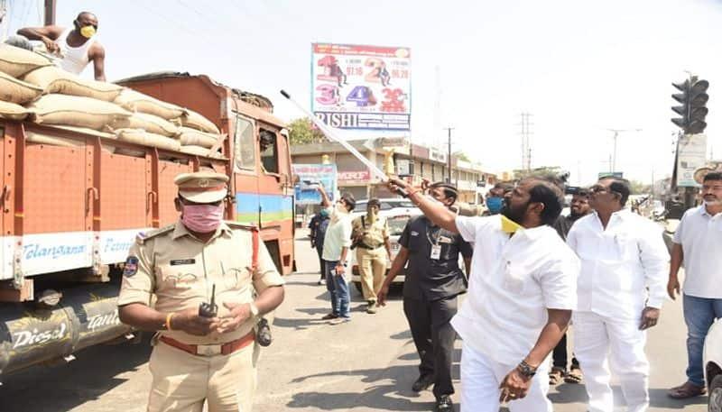 Telangana lock down: Srinivas Goud on the ground