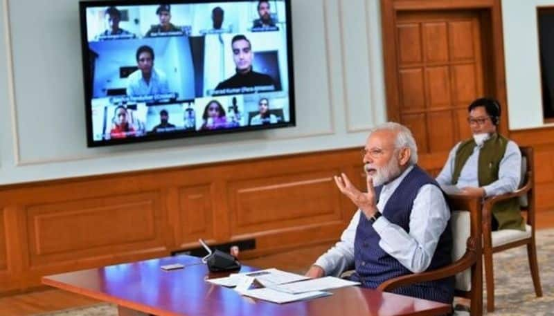 Fight against coronavirus PM Modi interacts with sportspersons gives 5-point mantra