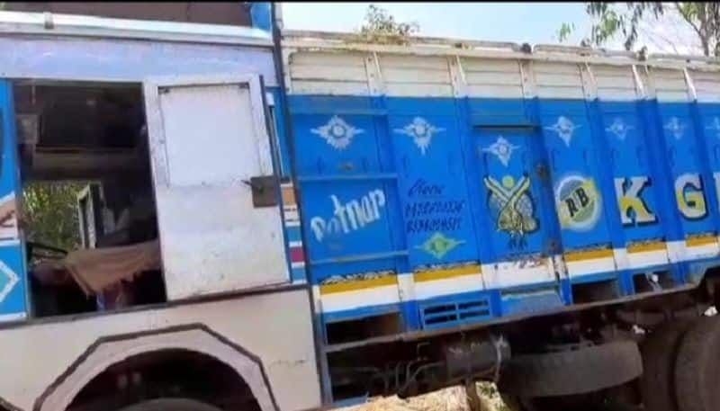 Man stays in a lorry during quarantine in Hooghly's Goghat