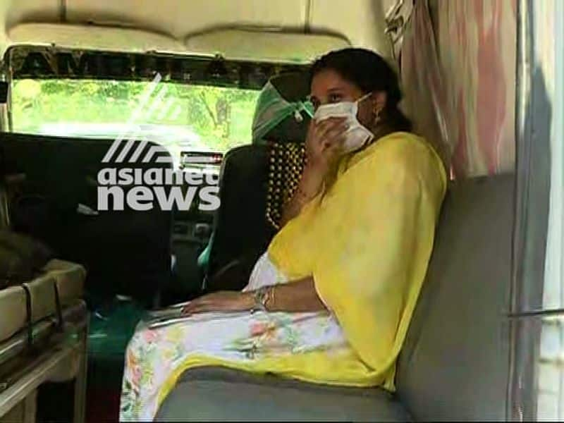 Covid 19 Lock Down pregnant lady stuck in  between states finally enters kerala