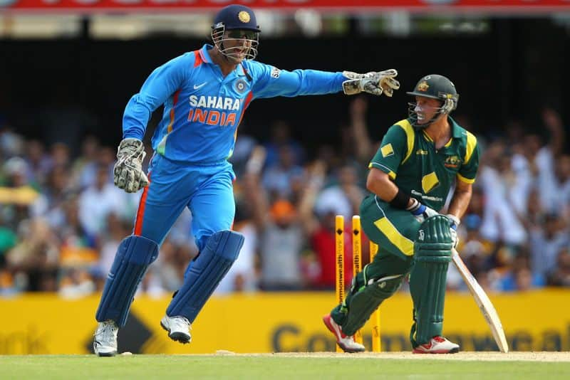 dhoni is the best finisher i  have ever seen says hussey