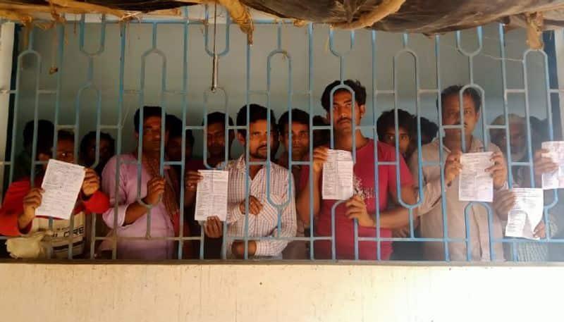 Labours refuses food in govt camp at Birbhum