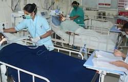 """<div style=""""text-align: justify;"""">कोरोना के संक्रमण से दिल्ली का भी बुरा हाल है। यहां अब तक 1561 पॉजिटिव मरीज मिले हैं। जबकि 30 लोगों की मौत हो चुकी है। देशभर में अब तक 398 लोगों की जान गई है।</div>"""