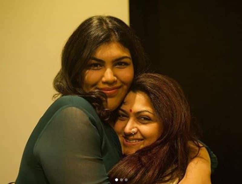 Kushboo share her emotional moment with fan
