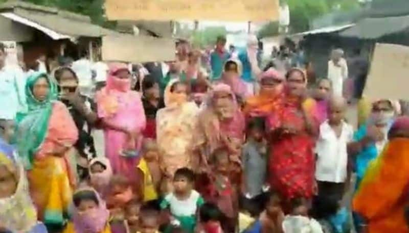 Locals stage protest against insufficient food, provided by administration during lockdown period in South 24 Parganas