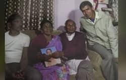 <p><strong>लखनऊ (Uttar Pradesh) ।</strong> यूपी के मुख्यमंत्री योगी आदित्यनाथ के पिता आनंद सिंह बिष्ट का आज निधन हो गया। उनका उपचार दिल्ली के एम्स में चल रहा था। आज हम आपको सीएम योगी आदित्यनाथ और उनके पिता के बारे में एक और खास कहानी बता रहे हैं, जिसका सपना सीएम के पिता ने देखा था, जो उनके जीते जी नहीं पूरा हो सका है। वहीं, योगी आदित्यनाथ की जीवन यात्रा पर लिखी गई किताब योद्धा योगी के मुताबिक उन्हें (सीएम योगी आदित्यनाथ) को जब उनके पिता ने पहली बार संयासी के रूप में देखा तो उन्हें अवाक रह गए थे। घर पहुंचने के बाद उन्होंने उनकी (सीएम योगी आदित्यनाथ) मां से सारी बातें बताई। मां को यकीन नहीं हुआ तो वह गोरखनाथ मंदिर गईं। जहां अपने बेटे को संन्यासी वेष में देखकर वह फूट-फूटकर रोने लगीं थीं।&nbsp;</p>
