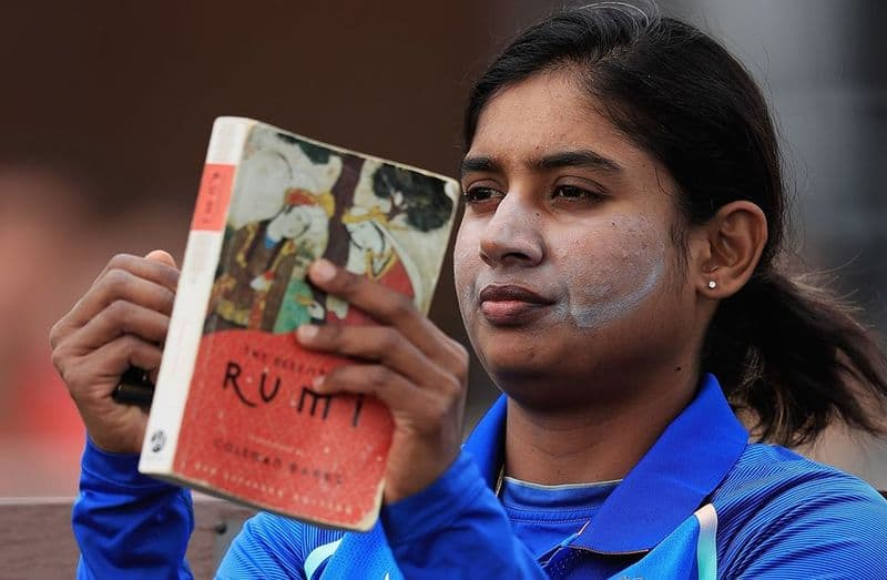 what are the sporting icons reading on World Book Day