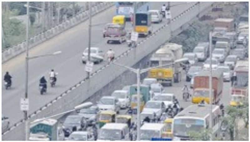 traffic jams return to bengaluru as Karnataka govt relaxes lockdown norms partially