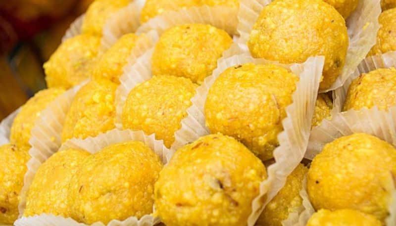 In lockdown make Very Easy Recipe of Ladoo recipes