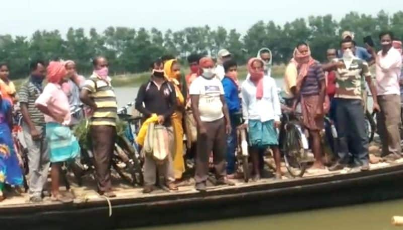 Shocking picture in lock down at Burdwan boat