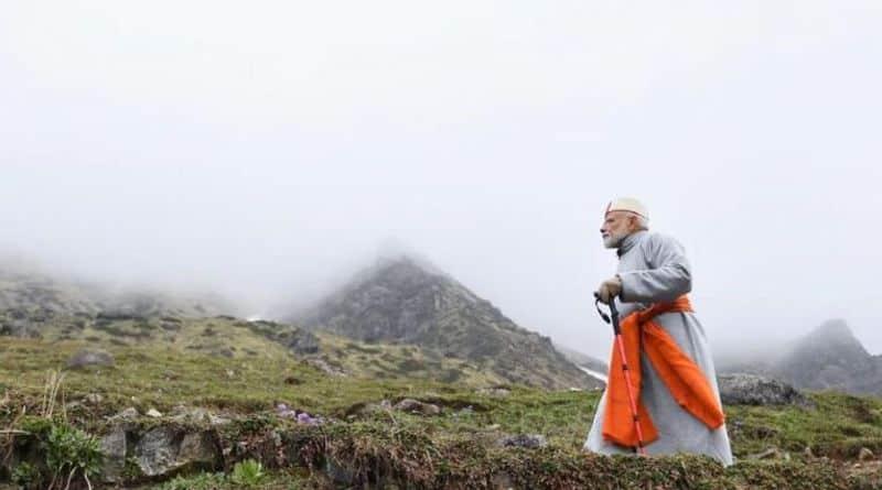 'കേദാര്നാഥ് യാത്രയില് പലരും രാഷ്ടീയ അര്ത്ഥങ്ങളാണ് കാണുന്നത്. എന്നാല് എന്നെസംബന്ധിച്ചിടത്തോളം ആ യാത്ര സ്വയം കണ്ടെത്താനുള്ള അവസരമായിരുന്നു' ഇങ്ങനെയാണ്മോദി അന്ന് പ്രതികരിച്ചത്