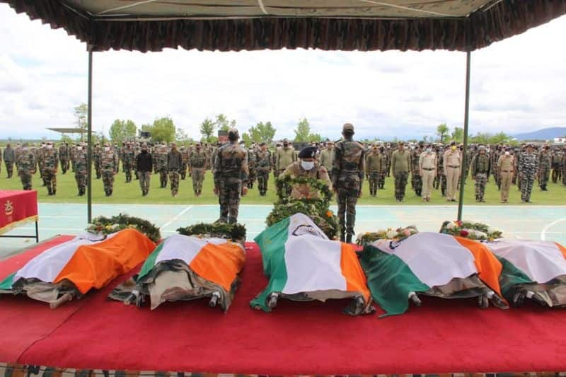 pm  and amit shah tribunes to j&k security personnel death on encounter