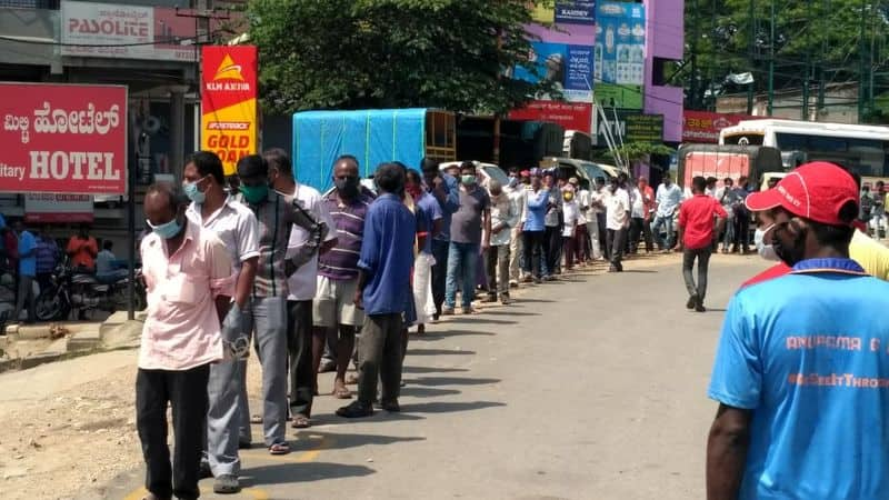 Long queues outside liquor shops In various Part of India