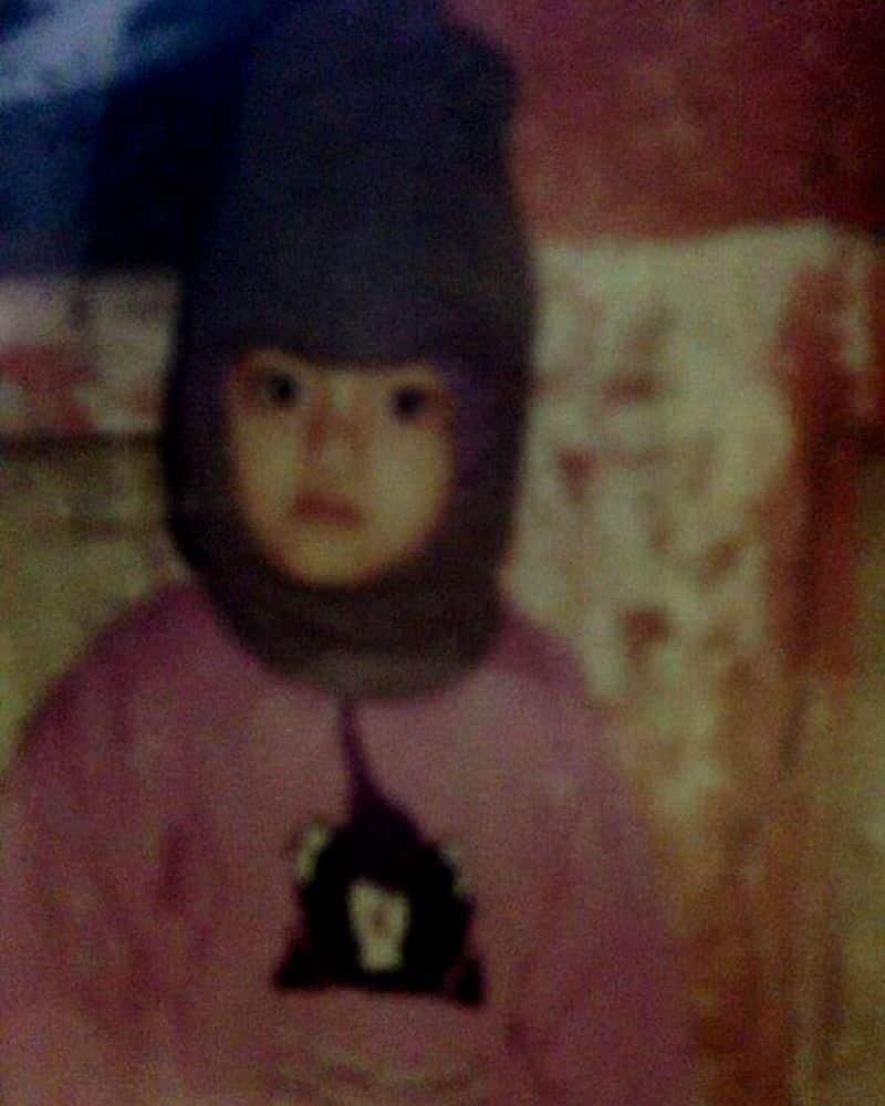 ১৯৯০ সালে ৮ জানুয়ারি জন্মগ্রহণ করেন নুসরত জাহান। ফিল্মি পরিবারেই ছোট থেকে বড় হয়ে ওঠা। তার মাএকজন অভিনেত্রী ছিলেন।