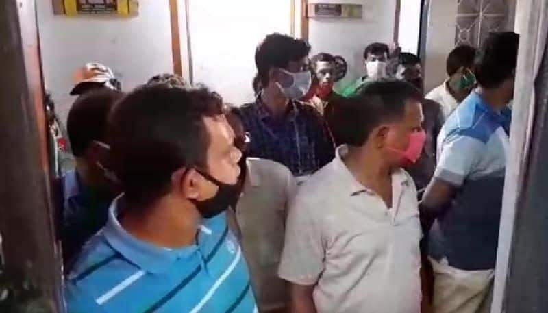 Child allegedly treated wrongly by a doctor in Burdwan
