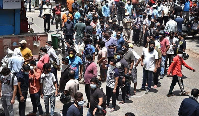 One hundred crore rupees liquor sales in 10 hours