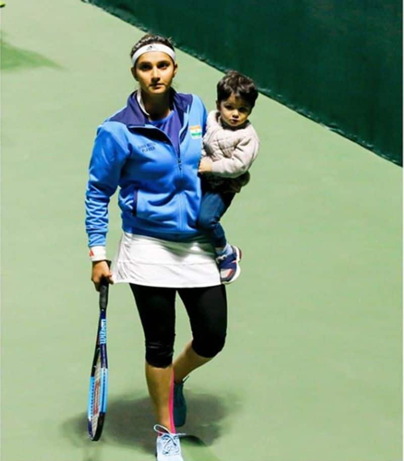 Sania Mirza First indian wins Fed Cup Heart award
