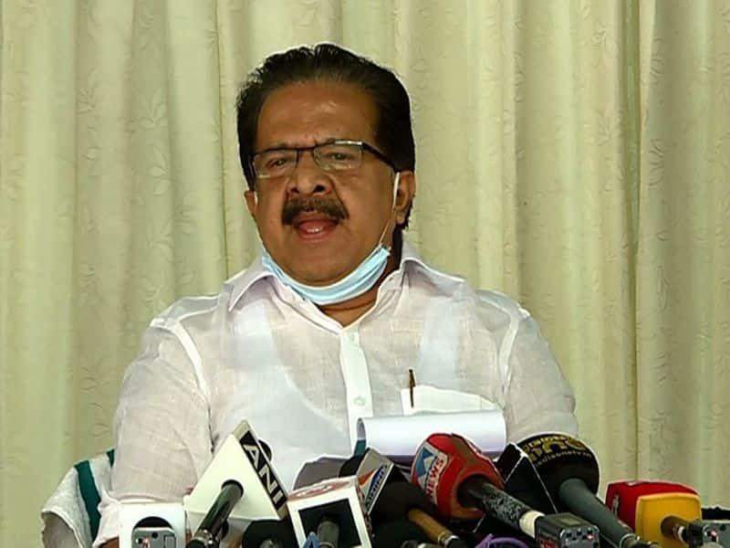 ramesh chennithala criticism against kerala govt of border pass issue