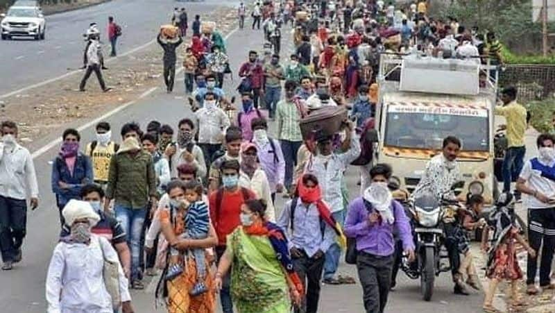 Migrants are walking on foot in Naxalite areas, there may be a blast sometime
