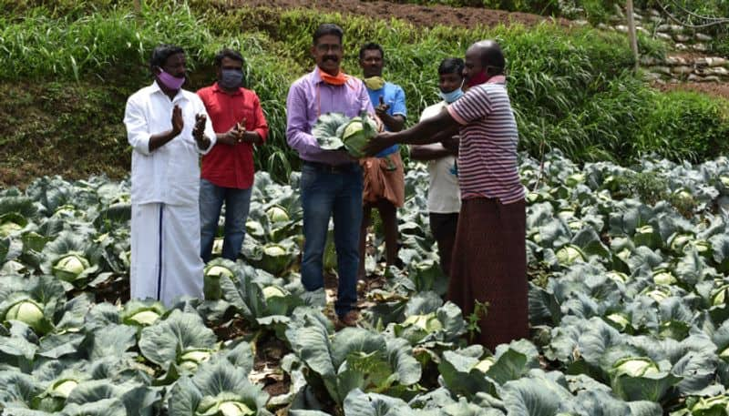 2 ton vegetables give to cmdrf by farmers of idikki