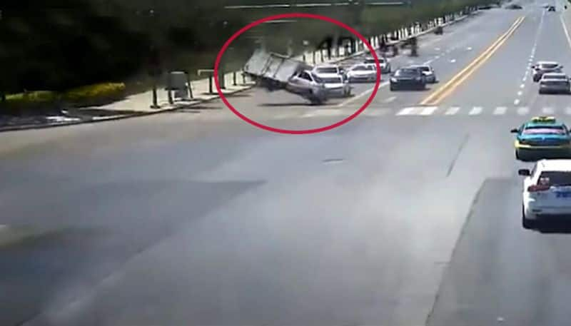 Strange wind blew truck weighing 1.8 tons and turned it over goes viral