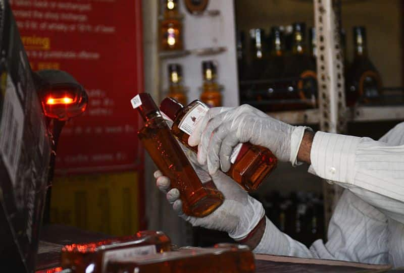 liquor Shop theft 6 Accused arrest in Honnali Davanagere