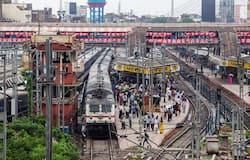 """<p style=""""text-align: justify;""""><strong>12 मई से चल रही हैं 15 जोड़ी ट्रेनें</strong><br /> रेलवे 12 मई से 15 जोड़ी ट्रेनें चला रहा है। ये ट्रेनें दिल्ली-मुंबई, दिल्ली-पटना, दिल्ली रांची जैसे शहरों को जोड़ रही है। रेलवे के आंकड़ों के मुताबिक बुधवार तक स्पेशल ट्रेनों में सफर के लिए 2,08,965 लोग अगले सात दिनों की यात्रा के लिए टिकट बुक करवा चुके हैं।&nbsp;</p>"""