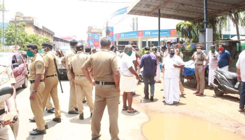 move by vendors to restore the barracks has led to a dispute with the police
