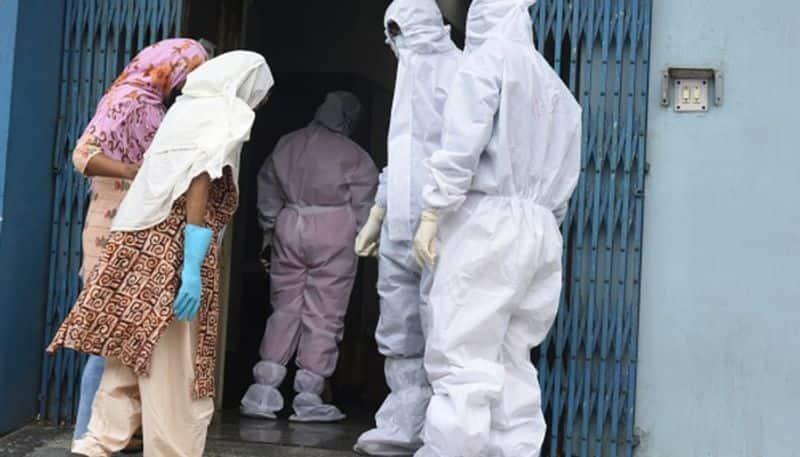 Rotten dead body of man recovered from Alipore body guard line in Kolkata