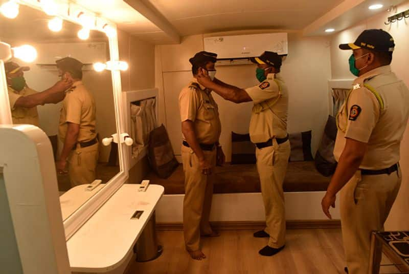 Know how many policemen in Maharashtra have been victims of corona in 48 hours