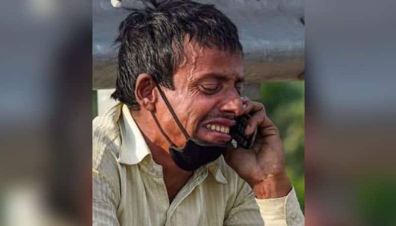photo of migrant worker on road ram pukar pandit is now viral